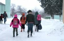 Школьники, ученики, зима, сугробы, мороз