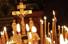 церковь распятие свечи