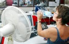 жара офис вентилятор