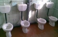 Школьный-туалет-1