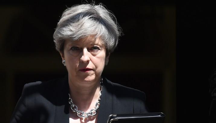 Мэй частично утратила контроль над британским кабмином