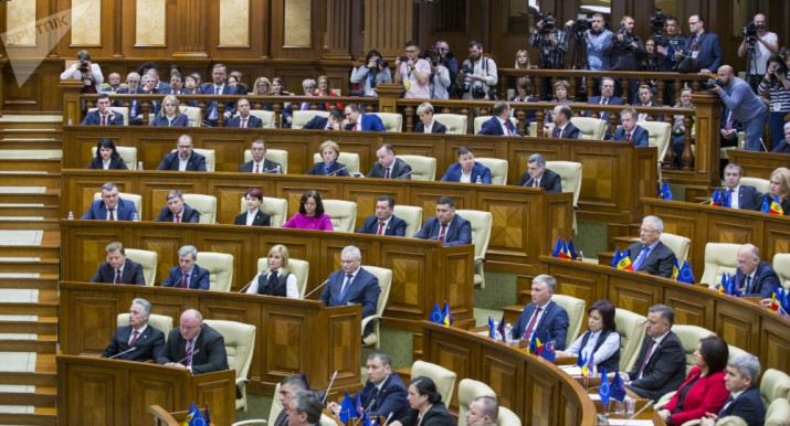 Игра в поддавки: удастся ли в Молдове сформировать правящую коалицию